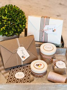 Creative Packaging - Tips for Hosting a Thanksgiving Potluck Dinner, Plus How to Set Up a To-Go Station on HGTV Thanksgiving Potluck, Potluck Dinner, Thanksgiving Decorations, Holiday Parties, Holiday Fun, Holiday Ideas, Styling A Buffet, Holidays And Events, Gifts For Kids