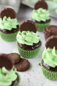 Thin Mint Cupcakes are rich chocolate cupcakes smothered with chocolate ganache and minty frosting, then topped with Thin Mints! Girl Scout or not, this is a dream come true!