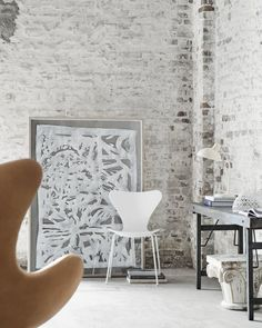 White Monochrome Tal R 60 years anniversary edition 7 chair Fritz Hansen Ditte Isager Ems Designblogg