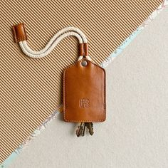 keychain key fob key ring by HANDWERS - Phone Grip Ring - Ideas of Phone Grip Ring - Leather keychain key holder. keychain key fob key ring by HANDWERS Leather Key Holder, Leather Keyring, Leather Gifts, Leather Tooling, Leather Wallet, Leather Accessories, Leather Jewelry, Crea Cuir, Key Bag