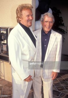 john gary/getty images | Singer John Gary and singer Perry Como attend the American Foundation ...