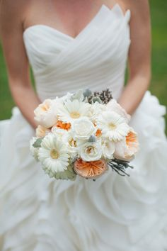 Simple White and Peach Bouquet | A Rustic & Romantic Atlanta Wedding via TheELD.com | Edge Design and Justen Clay Photography