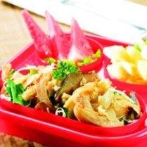 KWETIAU GORENG JAMUR http://www.sajiansedap.com/mobile/detail/5905/kwetiau-goreng-jamur
