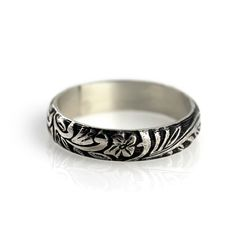 Floral ring  sterling silver ring by junedesigns on Etsy, $44.00