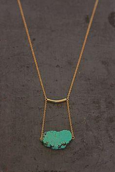 Colliers mi-longs, Collier tube et magnésite turquoise est une création orginale de The-V sur DaWanda