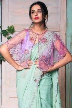 New Blouse Designs 2020 - Trendy Blouse Design Images For 2020 New year brings us new fashion trends & styles to anticipate, including new blouse designs! Here are the latest blouse designs for 2020 you should check out! Blouse Back Neck Designs, Netted Blouse Designs, Fancy Blouse Designs, Bridal Blouse Designs, Dress Designs, Sleeve Designs, Indian Style, Indian Wear, Fashion Pattern