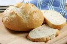 """Solo tres ingredientes y unos minutos es lo que toma preparar este """"pan"""" esponjoso, sin hidratos de carbono. La opción perfecta para diabéticos o para quienes llevan una dieta sin gluten o sin harinas. Conocido como """"pan nube"""" (del inglés """"cloud bread"""") Ingredientes Porciones:8 2 cucharadas de queso crema 2 huevos, separados 1/4 cucharadita de ..."""