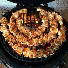 Great post by  @sspils Grilled Shrimp over #FogoCharcoal #BigGreenEgg #GrilledShrimp #Barbecue #BBQ #barbeque #bgenation  #minimax #bge #penzeysspices #garlic #evoo #firewire #tacos #shrimptacos #foodporn #healthy #gilbertaz