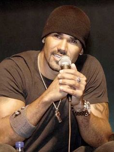 Shemar Moore...one of the best reasons for watching Criminal Minds