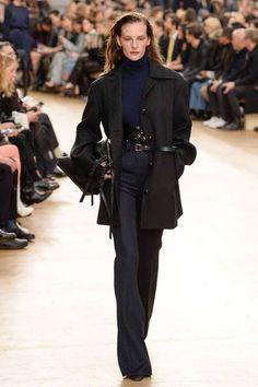 Runway / Nina Ricci / Paris / Herbst 2017 / Kollektionen / Fashion Shows / Vogue