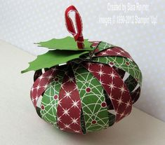 Sara's Crafting & Stamping Studio: Tutorial – how to create a paper ornament