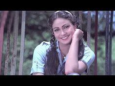 How about spending the weekend by watching a fun song of #KamalHaasan & #RatiAgnihotri from #EkDuujeKeLiye & enjoy it