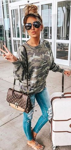 Womens fashion casual fall outfits jeans stitches 33 new Ideas Summer Fashion Outfits, Casual Summer Outfits, Chic Outfits, Trendy Fashion, Winter Fashion, Womens Fashion, Outfit Summer, Style Fashion, Gray Outfits