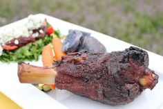 These smoked lamb shanks are just the ticket for your Easter holiday celebrations. The lamb is tender, smokey and delicious. Allergy Free Recipes, Low Carb Recipes, Cooking Recipes, Smoker Recipes, Paleo Chicken Recipes, Lamb Recipes, Smoked Lamb, Marinated Flank Steak, Joe Recipe