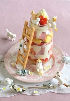 10 colorful and creative novelty desserts from around the globe, like Cat Cakes in Japan. 10 colorful and creative novelty desserts from around the globe, like Cat Cakes in Japan. Creative Desserts, Cute Desserts, Dessert Recipes, Sushi Recipes, Gourmet Desserts, Plated Desserts, Japanese Sweets, Japanese Cat, Japanese Wagashi