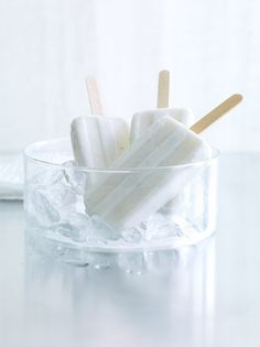 Love all white.  If your interested in ice cream trends just visit my Trendbubbles trend report: http://trendbubbles.nl/hot-shop-free-stuff/ Enjoy!
