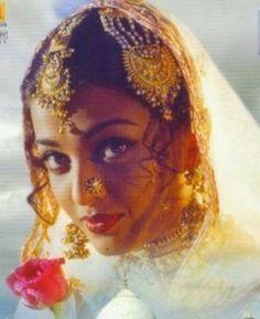 IndianDance.biz :Международный русскоязычный Форум любителей Индии и индийского танца: Просмотр темы - Айшвария Рай Баччан / Aishwarya Rai Bachchan