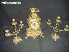 . Reloj cl�sico  +  dos candelabros  metal dorado -buen estado! caja 97