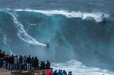 Серфингисты словили рекордную волну в 30 метров (+фото, видео)