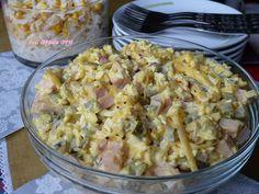 Sałatka z serem, szynką i ogórkiem kiszonym - Kolorowy Przepisownik
