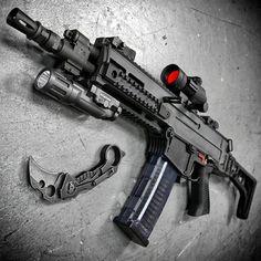 Awesome looking CZ 805 Bren: Military Weapons, Weapons Guns, Guns And Ammo, Tactical Rifles, Firearms, Shotguns, Cz 805 Bren, Armas Airsoft, Battle Rifle