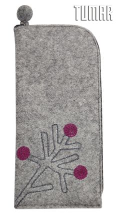 iPhone 6+ cover. Felt: 100% felt. Machine assembly. Tambour embroidery. 8,5 х 18