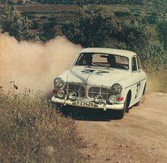 Zanddriften met klassieke auto's.