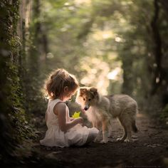Little girl with dog in forest - adorable! (Les belles choses de la vie Facebook)