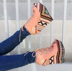 Must find these shoes !!! The Best of wedges in 2017.