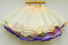 DIY Multi-Layered Tulle Petticoat (Make Your Own Rainbow Petticoat) DIY Halloween