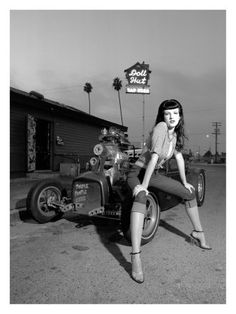50's retro on a 32 ford rat rod omg this is the picture I saw years ago and got my calf pice done almost like it!