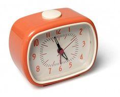 Retro Bakelite Alarm Clock Dotcomgiftshop review | Dork Adore