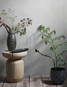 H&M Home : notre sélection déco à moins de 40 € - Elle Décoration Grand Vase En Verre, Vase Design, H & M Home, Decoration, Planter Pots, Large Laundry Basket, Large Storage Baskets, Wire Baskets, Dekoration