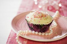 White chocolate #cupcake with Tutti Frutti -crush