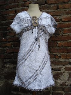 VESTIDOS MEDIO TIEMPO Loom Knitting Patterns, Weaving Patterns, Love Crochet, Knit Crochet, Circle Loom, Diy Clothing, Hand Weaving, Boho, Clothes