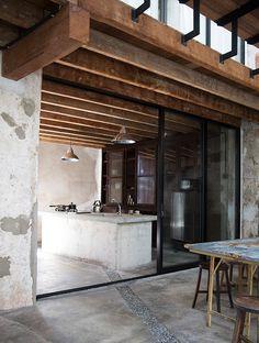 Sekeping Victoria, Penang, concrete, kitchen. Photo: Anne Bråtveit