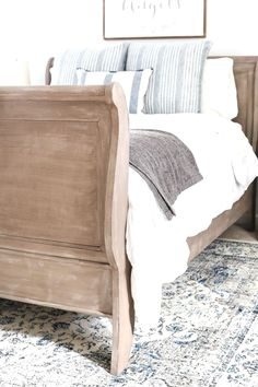 Painted weathered wood bed makeover - a thrifted bed gets a painted weathered wood restoration hardware look with no messy furniture stripping and in 3 quick steps. Cool Bedroom Furniture, Wood Bedroom, White Furniture, Bedroom Sets, Bedroom Decor, Furniture Ideas, Rustic Furniture, Furniture Layout, Pallet Furniture