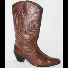 """STEVE MADDEN EMBROIDERED LEATHER COWBOYS BOOTS, 8 Steve Madden 'Hide' Brown Leather Embroidered Western Cowboy Boots Women's 8 M.  Brown leather with contrast embroidered stitching.  Shaft is 10"""" across. Purposely patina leather. Super cool boots, classic!  WILL SHIP RIGHT AWAY.  CHECK OUT MY OTHER AMAZING ITEMS Steve Madden Shoes"""