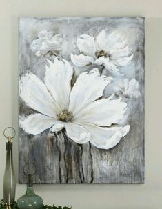 White flowers with grey
