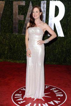 Julianne-Moore-2010-Vanity-Fair-Oscar-Party_gallery_primary