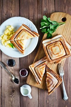 Toasts with cream cheese and jam