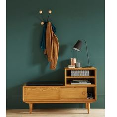 Look rétro inspiré des Sixties et confort bienvenu dès l'entrée de la maison.