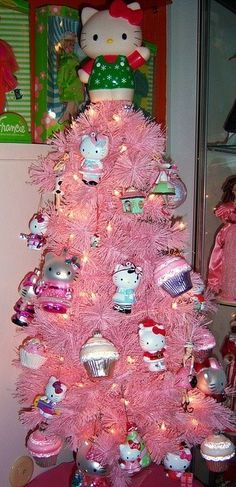 Pink Christmas Tree Decorated With Hello Kitty Ornaments Hello Kitty Christmas Tree, Noel Christmas, Pink Christmas, Christmas Crafts, Christmas Decorations, Dorm Decorations, Xmas Tree, Chat Hello Kitty, Hello Kitty Items