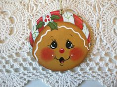 HP Christmas gingerbread with peppermint band ORNAMENT hand painted collectible Gingerbread Ornaments, Painted Christmas Ornaments, Hand Painted Ornaments, Christmas Gingerbread, Christmas Wood, Christmas Bulbs, Christmas Decorations, Circle Crafts, Pintura Country