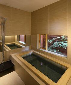 Bathroom Design Luxury, Bathroom Design Small, Bathroom Interior, Japanese Style Bathroom, Relaxing Bath, Japanese House, Beautiful Bathrooms, House Rooms, Cozy House