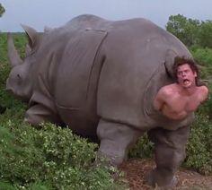 Imagen perturbadora de la infancia Rhino birthing Jim Carrey actor in Ace Ventura: When Nature Calls Movie (1995) Director Steve Oedekerk