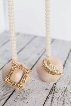 Vintage Blush and Gold Cake Pops! www.carmensediblecreations.com