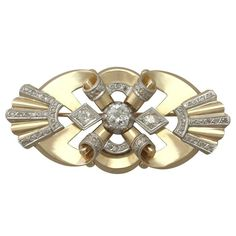 1940s Art Deco Style 2.65 Carat Diamond and 14 k Yellow Gold Brooch 1