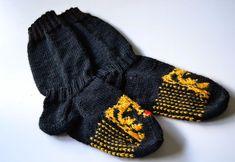 « rosannaofmay: Karhuvillasukat South Park, Parka, Knitted Hats, Harry Potter, Gloves, Knitting, Winter, Fashion, Winter Time