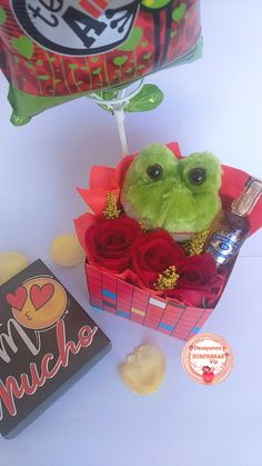 Conquista a la persona que amas ♥️ #Anchetas . Encuentra los mejores regalos 🎁🎉 en nuestra página web 👇👇👇👇👇 www.desayunosysorpresasvip.com  #anchetas #regalos #amor #desayunos #sorpresa #peluche #flores 🌸🌻🌼 #desayunosorpresas #tequieromucho #teamo #chocolate #juntos 💏 #love #gifts #surprise #together #feeling #balloon🎈 #bubble #bear #loveyou #happyday #roses #flowers #decoration #photo #photographer #art #artis #breakfast #cumpleaños #hbd Happy Day, Balloons, Bubbles, Barbie, Menu, Chocolate, Feelings, Rose, Amor